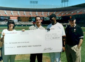UnitedHealthcare contributing to the Barry Bonds Foundation.